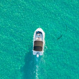Private speedboat tourto the Blue Lagoon Croatia